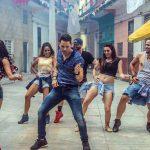 ¡Te pongo a bailar! Eso nos dice Leoni Torres en su nuevo clip