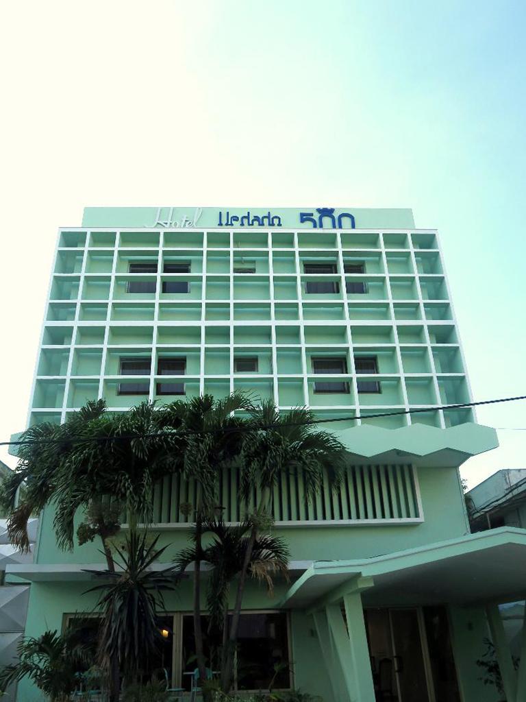 La imagen tiene un atributo ALT vacío; su nombre de archivo es hotel-vedado-500.jpg